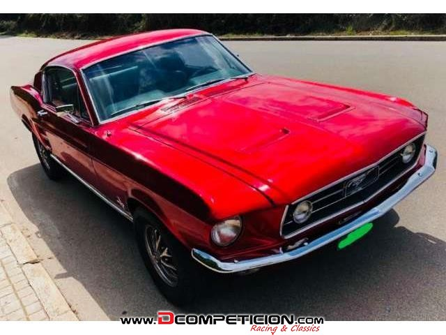 Foto1 Ford Mustang Fastback