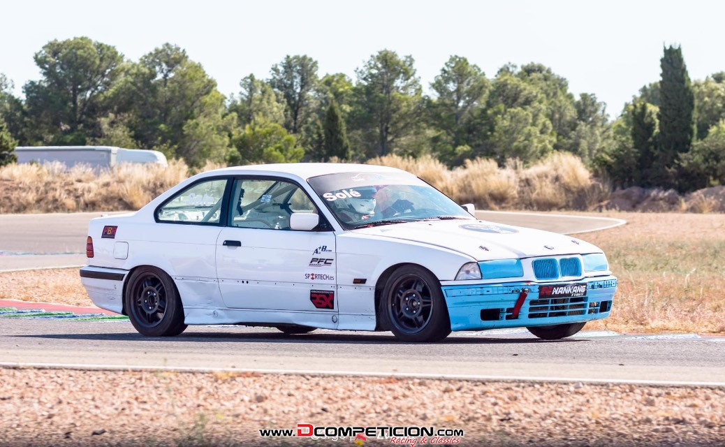 Foto1 BMW E36 325 competición